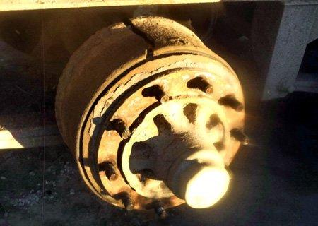 Полуприцеп Шмитц: Замена тормозного барабана на оси BPW