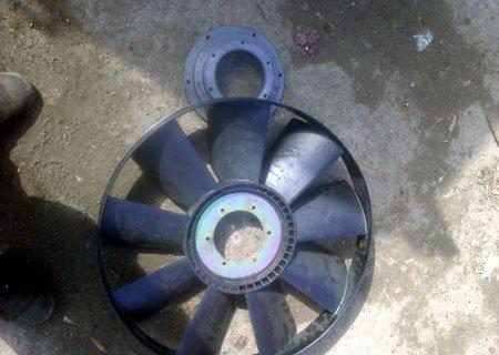 Рено 300G: Ремонт вентилятора охлаждения радиатора и его вискомуфты