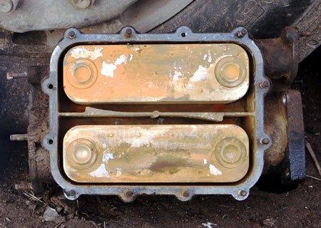 Ивеко Евростар: Ремонт маслоохладителя двигателя Магирус 8210