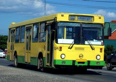 Автобус ЛиАЗ-5256: Самодельные регулируемые распорки для задних энергоаккумуляторов