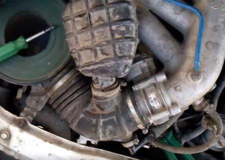 ГАЗ-3302 «ГАЗель» с двигателем ЗМЗ-405 Евро-3: Замерзший конденсат у дроссельной заслонки