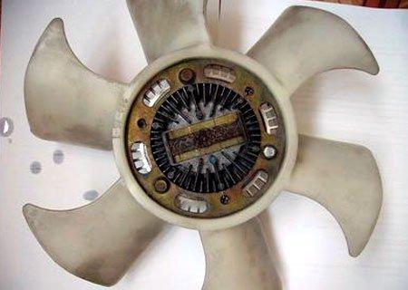 Mitsubishi Pajero Junior ZR-II: Замена заклинившего подшипника вискомуфты вентилятора двигателя Mitsubishi 4A31